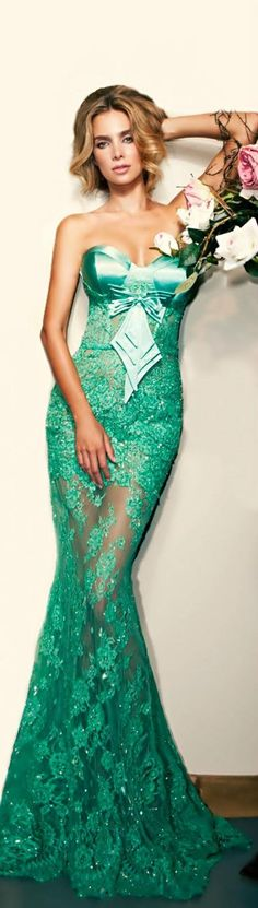 Green with Perfection turquoise aqua tiffanyblue Not crazy about the bodice but LOVE the rest ! Glamorous Dresses, Elegant Dresses, Pretty Dresses, Blue Wedding Gowns, Wedding Dresses, Dress Vestidos, Green Fashion, Couture Dresses, Beautiful Gowns