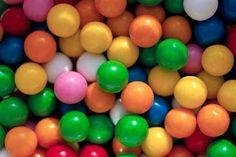 De ouderwetse kauwgomballen! Zaten vaak in een kauwgombalmachine!