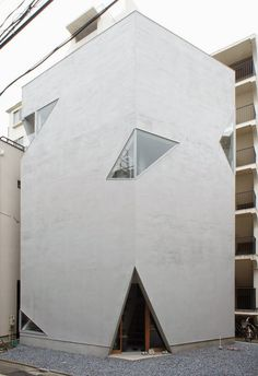 a f a s i a: Suppose Design Office Japan Architecture, Gothic Architecture, Beautiful Architecture, Interior Architecture, Interior And Exterior, Suppose Design Office, Narrow House, Tower House, Japanese House