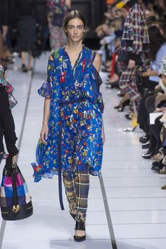 Sacai Spring 2018 Ready-to-Wear collection 4d1f0d68c0d20