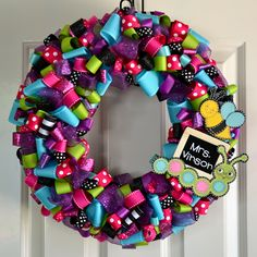 Lauren's Creative...: Ribbon Wreath Tutorial