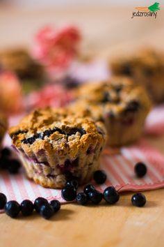 JEDZ ROŚLINY: kokosowe muffinki z malinami i jagodami (bez glutenu, tłuszczu i cukru)