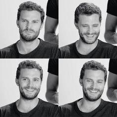 La sonrisa mas hermosa del MUNDO la tiene este hombre. Jamie Dornan
