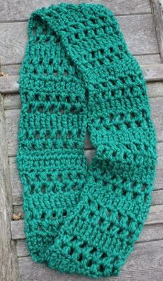 Quick Crochet Infinity Scarf | This pattern is quick and easy, and has a beautiful design, too!