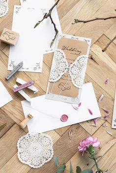 DIY : Make your own wedding invitations from doilies and craft paper. A beautiful vintage inspired wedding idea