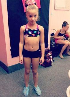 Mackenzie Ziegler is so cute! Dance Moms Mackenzie, Maddie And Mackenzie, Mackenzie Ziegler, Dance Moms Dancers, Dance Moms Girls, Bae, Flexible Girls, Show Dance