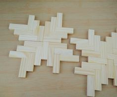Jenga wood blocks glued together to make cool placemats Diy And Crafts Sewing, Crafts To Sell, Diy Crafts, Jenga Blocks, Wood Blocks, Jenga Diy, Block Craft, Crafts For Teens, Craft Videos
