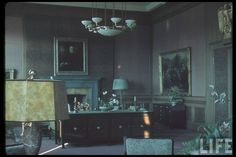 Unseen photographs reveal the private life of Adolf Hitler Adolf Hitler's office in Munich. In this building, in the infamous Munich Agreement was signed by British Prime Minister Neville Chamberlain, giving Germany a portion of Czechoslovakia. Munich Agreement, Germany Ww2, Munich Germany, Germany Travel, Berlin, Interior Design Colleges, Study Rooms, The Third Reich, World War I