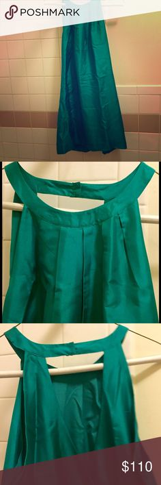 "NWT J.Crew Silk Swoop Dress in Emerald This is a beautiful silk dupioni ""swoop"" mini dress by J. Crew in emerald. Lined. NWT just needs to be steamed as it has some wrinkles from being in closet. Snap closure at neck and keyhole shows off your back. Great for summer and very chic! Sorry, no trades. J. Crew Dresses Mini"
