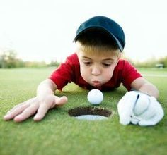 Expert Golf Tips For Beginners Of The Game. Golf is enjoyed by many worldwide, and it is not a sport that is limited to one particular age group. Not many things can beat being out on a golf course o Kids Golf, Play Golf, Play Tennis, Golf Etiquette, Foto Fun, Golf Pictures, Golf Images, Golf Photography, Photography Ideas