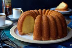 This ultra-moist cake soaked in rum and vanilla will have you dreaming of white sandy beaches at first bite. Rum Cake Recipe Easy, Easy Cake Recipes, Vanilla Pudding Mix, Caribbean Rum Cake, Kahlua Cake, Cocktail Cake, King Arthur Flour, Cake Cover, Pastries