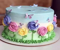 Butter Icing From Scratch Basic Cake Decorating DesignsYou can find Cake designs and more on our website.Butter Icing From Scratch Basic Cake Decorating Designs Fancy Cakes, Cute Cakes, Pretty Cakes, Beautiful Cakes, Amazing Cakes, Food Cakes, Cupcake Cakes, 6 Cake, Cake Art