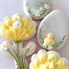 Fancy Cookies, Iced Cookies, Cute Cookies, Cupcake Cookies, Sugar Cookies, Easter Cupcakes, Easter Cookies, Easter Treats, Easter Biscuits