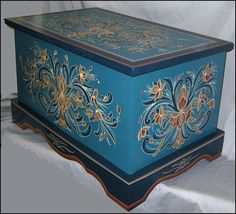Rosemaling trunk in Norwegian blues Trunks For Sale, Antique Wooden Boxes, Fork Art, Norwegian Rosemaling, Wooden Trunks, Glass Room, Painted Chest, Trunks And Chests, Floor Cloth