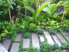 tropical garden 75 Beautiful Rain Garden You Should Have In Your Home Front Yard 680 GooDSGN Tropical Garden, Tropical Landscaping, Garden Landscape Design, Tropical Garden Design, Modern Garden Landscaping, Gorgeous Gardens, Rain Garden Design, Native Garden, Balinese Garden