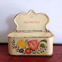 フランスアンティーク ALLUMETTES缶(マッチボックス) H15