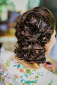 Wedding Hair, The Glamourist, Photo: Milou + Olin Photography - California Wedding http://caratsandcake.com/jinaandjonathan