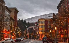 9 places to visit this winter n Pa - 9. Enjoy an Olde Time Christmas in Jim Thorpe.