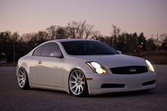 When BMW and Infiniti make a baby you get this. Infiniti Coupe sitting on BMW Rims. Omg I love this car Cadillac, Mercedes Benz, Toyota, Honda, Nissan Infiniti, Bmw, Sweet Cars, Japanese Cars, Nissan Skyline