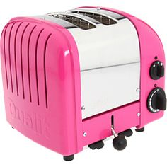 cutest toaster ever (thanks @honeykennedy)