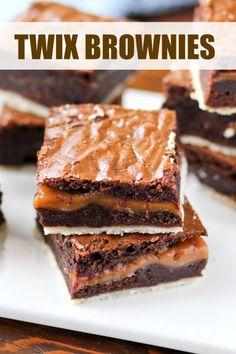 Twix Brownies | confessionsofacookbookqueen.com | Bloglovin'