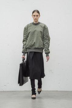 HYKE(ハイク) 2017-18秋冬プレタポルテコレクション ランウェイ5枚目
