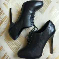 """NWOT Aldo Black Lace-up Booties These Leather Aldo Lace-up Booties are gorgeous and perfect to spice up any outfit. I'm only parting with them because the heel height is a bit too high for me. The heel height is a little less than 5"""" with a hidden 3/4"""" platform. Size European 38. ALDO Shoes"""