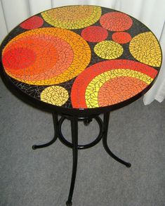 Mosaic round table top in yellows and orange Mosaic Tile Table, Mosaic Coffee Table, Mosaic Diy, Mosaic Garden, Mosaic Crafts, Mosaic Projects, Mosaic Glass, Mosaic Designs, Mosaic Patterns