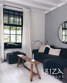 Te gekke foto van het oud houten bankje. Met de hand gemaakt en in z'n geheel van teakhout. 📫 Heb je een vraag, interesse of wil je een afspraak maken in onze loods? Stuur dan een mail naar ibizaoutdoor@gmail.com. #hout #bankje #woonkamer #inrichting #ibiza #enjoy Ibiza Fashion, Bohemian Living, Curtains, Chair, Ibiza Style, Bed, Furniture, Space, Home Decor