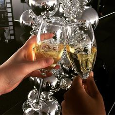 Cheers to the weekend! Thank you @boschendalwines for an amazing evening! #mbfwct17 #boschendalstyleclub  via GLAMOUR SOUTH AFRICA MAGAZINE OFFICIAL INSTAGRAM - Celebrity  Fashion  Haute Couture  Advertising  Culture  Beauty  Editorial Photography  Magazine Covers  Supermodels  Runway Models