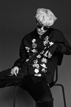 I saw Zion t's and accousticversion from 'I need a girl' on just hot Jonghyun, K Pop, Zion T, Louis Weasley, T Wallpaper, Zico, Hip Hop And R&b, Asian Celebrities, Korean Artist