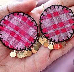 Diy Fabric Jewellery, Fabric Earrings, Thread Jewellery, Textile Jewelry, Diy Earrings, Earrings Handmade, Handmade Jewelry Designs, Handmade Crafts, Girls Jewelry