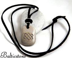 Nuevo Corazón celta. Collar con piedra de la playa por Balticstone