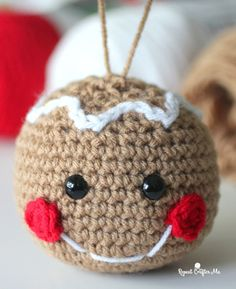 Crochet Gingerbread Head - Repeat Crafter Me Häkeln Sie Lebkuchen-Kopf - wiederholen Sie Crafter Me Always wanted to be able to knit, but unclear where to start? Crochet Christmas Decorations, Crochet Christmas Ornaments, Christmas Crochet Patterns, Holiday Crochet, Christmas Knitting, Crochet Gifts, Crochet Toys, Knit Crochet, Crochet Decoration