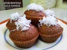 MamaFaMi's Spice n Splendour: Apam Mentega Gula Hangus Steamed Sponge Cake Recipe, Steamed Cake, Sponge Cake Recipes, Malaysian Dessert, Donut Bun, Fried Bananas, Green Food Coloring, No Bake Desserts, Baking Desserts