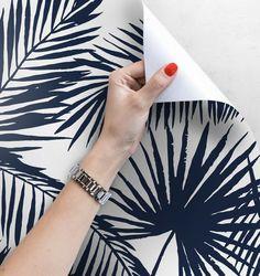 ** Autocollant papier peint ** Nos papiers peints sont imprimés sur un matériau autocollant innovant avec la possibilité multiple de coller et de décoller! Le matériau, que nous utilisons, ne se salit pas, ne se déchire pas, on peut le coller sur chaque surface plate. La pose, très