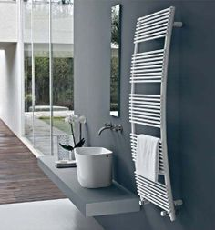 Parentesis: lo scaldasalviette per eccellenza... Proprio grazie alla forma cicciottella http://www.idfdesign.it/radiatori/parentesis.htm ( Parentesis: the towel warmers for excellence ... Precisely thanks to the shape chubby ) http://www.idfdesign.com/radiators/parentesis.htm [ #design #designfurniture #TubesRadiatori #Tubes #radiatori #riscaldamenti #termosifone #heating #radiators ]