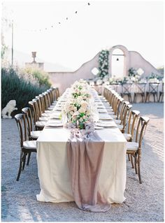 Classic elegance at this Chateau Carmel wedding. This stunning venue offers stunning views and year round beautiful weather. Neutral wedding tones perfectly complimented this outdoor elegant wedding venue. Blush Wedding Theme, Mauve Wedding, Dream Wedding, Elegant Wedding, Wedding Colors, Carmel Beach, Wedding Couple Poses, Carmel Valley, California Wedding Venues