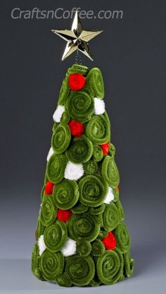 Pipe Cleaner Christmas crafts - Make Pipe Cleaner Cone Trees (Dollar Store Crafts) Stick Christmas Tree, Noel Christmas, Thanksgiving Crafts, Christmas Crafts For Kids, Christmas Projects, Holiday Crafts, Christmas Ornaments, Thanksgiving Activities, Christmas Crafts Pipe Cleaners