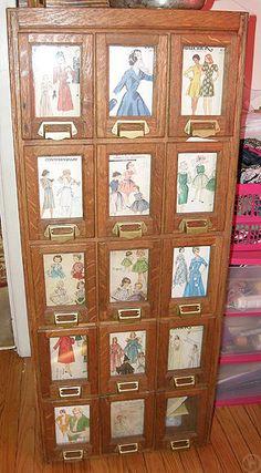 Nice!  vintage sewing pattern case / storage / drawers