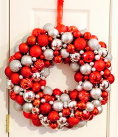 Decorating Wreath With Christmas Balls 20 Holiday Wreaths To Decorate Your Home  Wreaths Ornament And