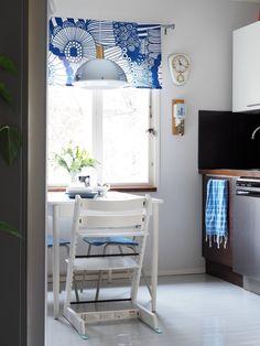Ihan(at) tavalliset arkiastiat Corner Desk, Furniture, Home Decor, Corner Table, Decoration Home, Room Decor, Home Furnishings, Arredamento, Interior Decorating