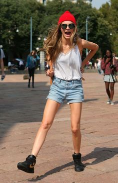 Style_Cara-Delevingne_Outfits_Street_Style-1.jpg 790×1.221 píxeles
