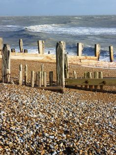 Winchelsea Beach showing the old groins from the C18th harbour experiment - it silted up in just a year