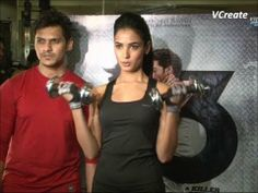 Sonal Chauhan's gym workout video part 2.