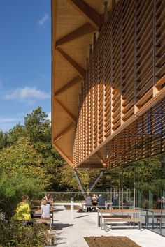 Living Planet Centre, WWF UK Headquarters, Woking, Surrey Highly commended, Commercial and public access Main wood species: spruce glue-laminated, radiata pine, birch ply, ash. Hopkins Architects