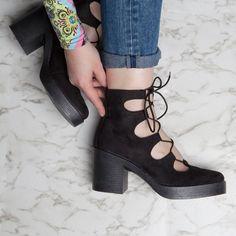 DO prints. DO denim. DO lace up heels Hot Heels, Lace Up Heels, Kid Shoes, Shoe Boots, Shoe Shop, Black Boots, Peep Toe, Footwear, Wedges