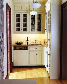 Small Kitchen Idea from www.shelterness.com