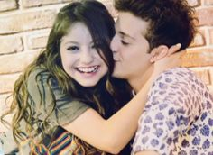 How he is Kissing to her 💖💖💖 Felix Hernandez, Avan Jogia, Cimorelli, Image Fun, Son Luna, Fifth Harmony, Best Couple, Best Tv Shows, Ariana Grande