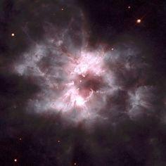 50 самых интересных фотографий с орбитального телескопа Хаббл -Планетарная туманность в созвездии Корма